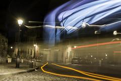 filet a montmartre (Rudy Pilarski) Tags: nikon nuit night d7100 tamron 2470 france forme form flickrbest filet line ligne light lumière longuepose color couleur colour city ciudad ciel courbe capitale sky paris cityscape longpose europe europa bleu blue orange red rouge pavées candélabre lampadaire road