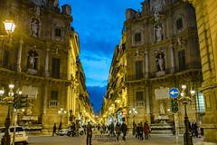 Serata a Quattro Canti (Stauromel) Tags: palermo sicilia italia nocturna paseo serata noche azul horaazul arquitectura fenicio ilcassaro stauromel skyline street alquimiadigital fuji fujixt2