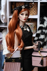 Shopping in style (Isabelle from Paris) Tags: fashion royalty elise elyse rise ooak reroot isabelleparisjewels
