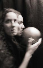 La cabeza cobriza (barbara bezina) Tags: selfportrait barbarabezina monochrome 35mm ilfordhp5 pentaxzxm longexposure