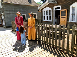 A chat with 2 costumed historical interpreters: HFF!