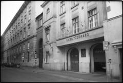 Budapest 2017 LXXIII (__Daniele__) Tags: hungary budapest analogue analog film ungarn węgry magyarország 35to220 czarnobiałe blackwhite schwarzweiss monochrome agfa apx 100 leica m6 rangefinder 35mm summicron