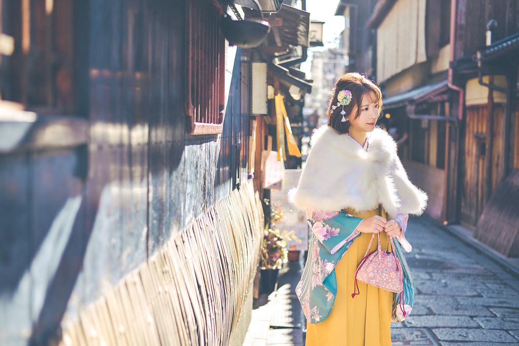 walking around kyoto in kimono-1-22