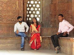 new delhi 2017 (gerben more) Tags: window beard man woman handsomeman mosque people portrait india newdelhi delhi