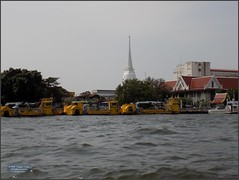 Thailand Bangkok River Dredge 20180128_111714 DSCN1956 (CanadaGood) Tags: asia seasia asean thailand thai ราชอาณาจักรไทย bangkok krungthep river chaophrayariver boat expressboat barge building architecture buddhist temple shrine canadagood 2018 thisdecade color colour thonburi