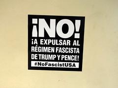 Anglų lietuvių žodynas. Žodis fascist reiškia  n fašistas  a fašistinis, fašistų lietuviškai.