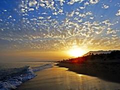 Puesta de sol (Antonio Chacon) Tags: andalucia atardecer marbella málaga mar mediterráneo costadelsol cielo españa spain sunset sol