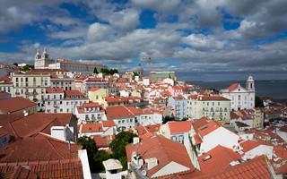Lisboa com suas casas. De várias cores.
