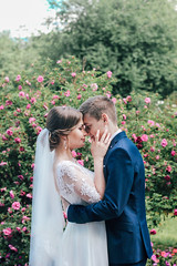 Ann & Alex (You Fight Me) Tags: flower roses garden people married justmarried husband wife fiance groom bride weddingdress smile love kiss wedding happiness canon canon60d 60d 50mm f14