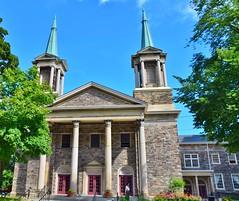 Calvin Presbyterian/Deer Park United Church, 26 Delisle Avenue, Toronto, ON (Snuffy) Tags: calvinpresbyterianchurch deerparkunitedchurch placesofworship 26delisleavenue toronto ontario canada