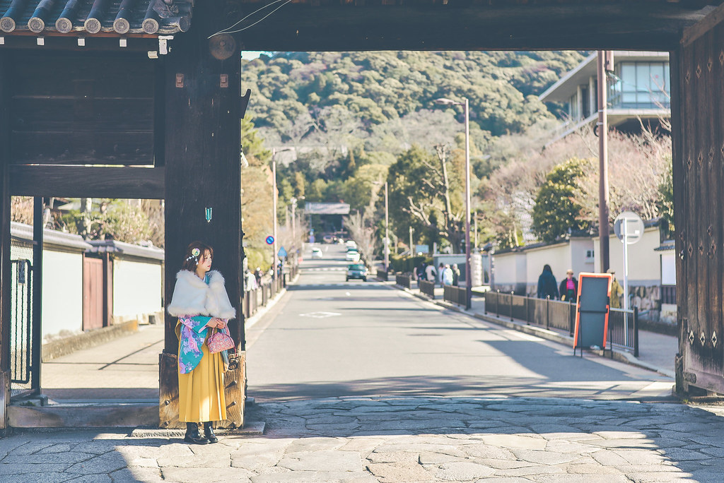 walking around kyoto in kimono-1-17
