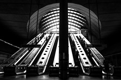 Canary Wharf (Howard Yang Photography) Tags: canarywharf bw blackandwhite london thetube underground subway leicam 28elmarit