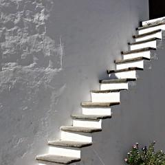 Steps! (Jorge Cardim) Tags: monsaraz évora portugal escadas steps branco light luz