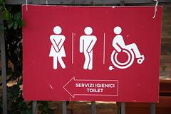 2018-07-14-175415 Viterbo (MicdeF) Tags: bagni cartello serviziigienici toilet viterbo