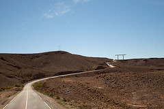 Long Road Home from the Desert (jarhtmd) Tags: africa morocco scurve canon eos70d transportation landscape