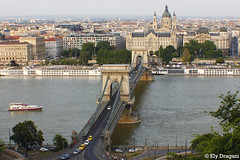 Budapest, Hungary (mividaenpostales) Tags: chainbridge puentedelascadenas puente bridge ponte pontedellecatene hungría hungary ungheria budapest urbanlandscape paisajeurbano paesaggio urbano paesaggiourbano vista view puntodivista pointofview puntodevista canon
