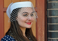 SVR 1940's Gala (2018) 010 (Row 17) Tags: uk gb england worcestershire kidderminster svr severnvalleyrailway 1940s reenactment reenactor reenactors people woman women candid portrait