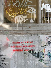 Clean walls + Clean streets = Higher rents (aestheticsofcrisis) Tags: street art urban intervention streetart urbanart guerillaart graffiti postgraffiti berlin neukölln neukoelln germany eu europe gentrification antigentrification stencil schablone pochoir