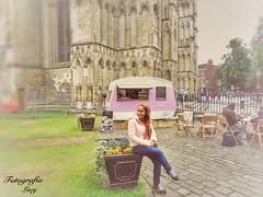 La naturaleza siempre viste con los colores del espíritu. Ralph Wald (habanera19) Tags: paisaje cubana beautiful joven paseo bonita travel people urban nature reto street europa reinounido chica verynice wolman