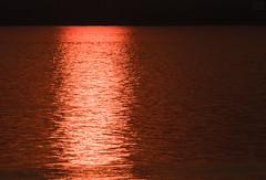 Golden shimmer (LEXPIX_) Tags: water glimmer shimmer waves ripples sun sunstripe golden gold pattern sunset nikon d500 nikkor 200500 lexpix