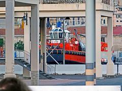 18063001014battello (coundown) Tags: genova battello porco panorama scorci barca barche navi lanterna spiagge viste pilota pilot