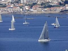 El Solventis (juantiagues) Tags: solventis vela regata ríasbaixas ría juantiagues juanmejuto