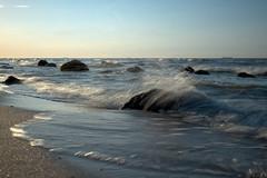 Brandung (Foto-Gunar) Tags: seaside seascape baltic sea ocean waves sky rocks stones water spray ostsee rostock warnemünde stoltera wellen himmel steine brandung strand beach langzeitbelichtung longexpo long exposure