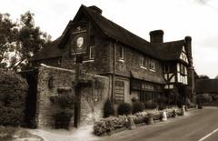 Henry Xlll pub (Westhamwolf) Tags: henry 8 eighth pub public house shepherd enamel kent hever anne boleyn england royalty king