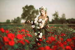 """TEATRONATURA """"Eterea rosae"""" (valeriafoglia) Tags: creative composition capture colors creature art atmosphere amazing elegance ethereal romantic rose red white green stylist soft sun summer sunset nature model makeup photo photography pretty outfit"""
