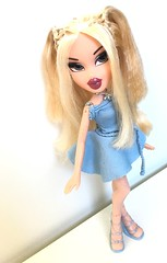 The angelic glow of the evening (dolldudemeow24) Tags: bratz girls nite out cloe dress party glitter fashion doll dolls 2003 2004 2018