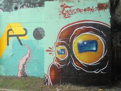 1520 (en-ri) Tags: tackle zero sharko marrone polipo giallo azzurro mark torino wall muro graffiti writing blu parco dora