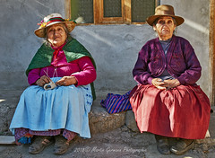 Cordillera Huayhuash, Two old Ladys in Llamac (Martin Germann) Tags: llamac cordillerahuayhuash ladys old peru