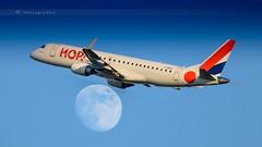 HOP EMBRAER ERJ-190LR (lavierphilippephotographie) Tags: embraer embraererj190lr hop hopforairfrance airfrance plane airplane aircraft roissy cdg moon