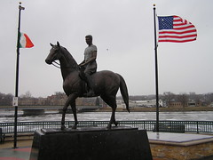 "Ronald Reagan Statue (Vinny Gragg) Tags: flag flags •template ""roadsideattraction"" ""roadsideattractions"" ""roadsidestatue"" ""roadsidegiants"" ""roadsidestatues"" ""roadsideoddities"" statues statue ""roadsideart"" giants ronaldreaganstatue ronaldreagan horse dixonillinois dixon illinois presidentreagan reagan president"