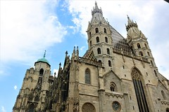Stephansdom (albavv46) Tags: cathedral like contrast day summer light blue architecture arquitectura wien viena world photography travel view sky holiday catedral monument landscape land perspectiva colour canon canonphotography amateur nature san esteban stephansdom kathedrale reisen fotografie