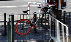 Red wheel de vélo (ZUHMHA) Tags: marseille france urban urbain line lignes courbes curve geometry géométrie summer sunday dimanche été street rue ville town