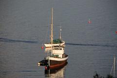 boats (Leifskandsen) Tags: boats bay bærum sandvika float sunset oslofjorden camera canon living leifskandsen skandsenimages scandinavia skandsen sea ship summer