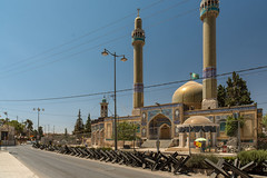 Fortified Shia Mosque (stefanos-) Tags: travelling backpacking roman war lebanon mosque shia conflict middleeast arab baalbek baalbekdistrict beqaagovernorate lb