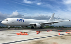ATI ex AA B767-323ER N376AN (aleks_cal) Tags: ati boeing b767 cargo boeing767 avion airport costarica plane airplane