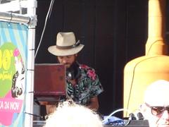 de DJ heeft mijn blouse aan! (en ik ook) StadsOase Apeldoorn (willemalink) Tags: de dj heeft mijn blouse aan en ik ook stadsoase apeldoorn
