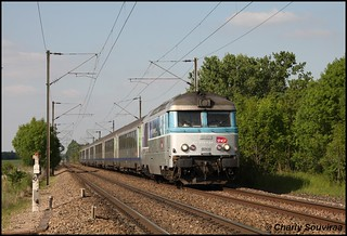 La BB 67450 au Plessis-Belleville le 15 mai 2014, TER Laon - Paris-Nord.