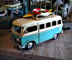 Feeling Beachy (Dave* Seven One) Tags: panamacitybeach pcb fl florida 2018 vacation family standrewsstatepark beach gulf gulfofmexico camping campground bus vw spiltty splitwindow art decoration