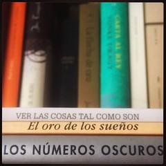 HAIKU DE ESTANTERÍA CLVI #haikusdestanteria (juanluisgx) Tags: leon spain book libro haiku estanteria haikusdeestanteria haikusdestanteria poema poem poetry poesia bookshelf