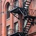 Escalier à Toronto (Xtian du Gard) Tags: xtiendugard toronto canada escalier immeuble briques architecture rouge noir rougeetnoir