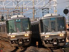 Side by side (Hakuto_Tabito) Tags: japan jr西日本 train