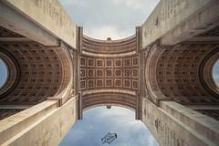 Arc de Triomphe (thomaslaconis) Tags: paris architect architectes architecture arcdetriomphe monument france symbol symbole nombredor arch placedeletoile capitale triomph arc