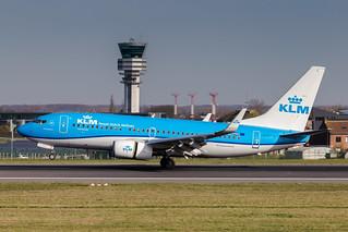 BRU - Boeing 737-7K2 (PH-BGF) KLM