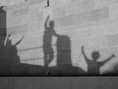Ombre di amici - Shadows of friends (Vincenzo Elviretti) Tags: amico amicizia friend ombra shadow luce light san marino stato indipendente emilia romagna italia europa