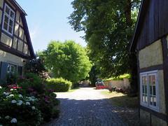 Old charm (52er Bild) Tags: ledenburg bissendorf castle burg eingang innenhof pentax q10 udosteinkamp 52erbild fachwerk garten osnabrück nemden niedersachsen germany