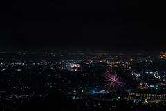 eastmont fireworks (pbo31) Tags: bayarea eastbay 4thofjuly holiday night black color summer nikon d810 boury pbo31 california fireworks 2018 independenceday pyrotechnics over view kingestateopenspace eastmont oakland alamedacounty illegal